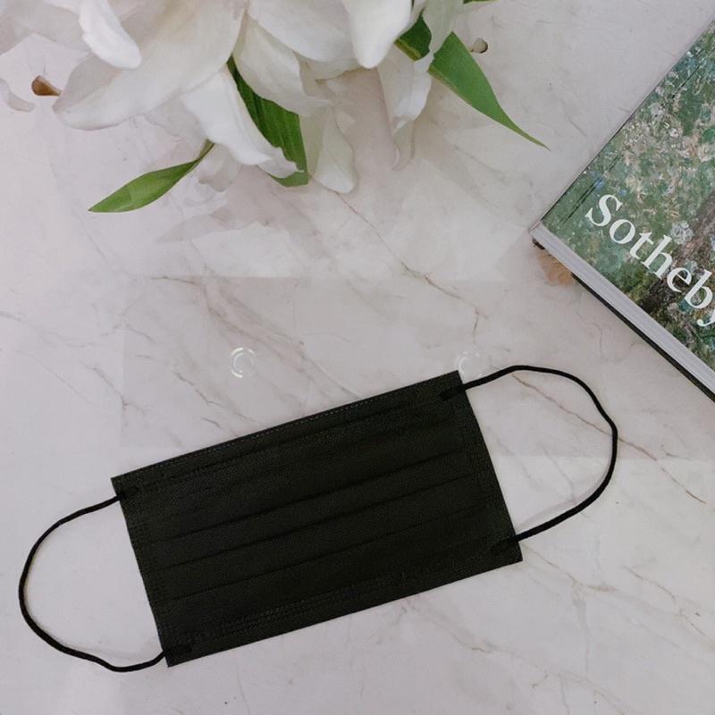 ⚡現貨秒出❤️百搭 明星款 神秘黑色 令和平面醫療口罩 雙鋼印 50入組 成人口罩 台灣製造國家標準CNS14774