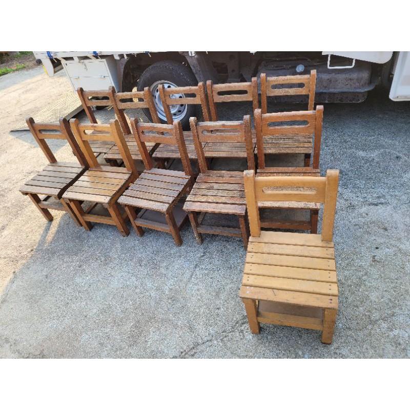 國小課桌椅,現場挑單張150元,只賣椅子喔,可幫寄2張350元(含50元耗材費)(含運費120元,以西半部為主)