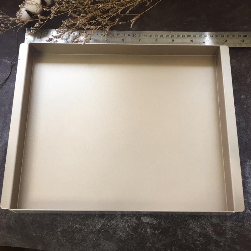 [[瑕疵出清]]不沾香檳金色深烤盤-國際牌3200可用.可做蛋糕捲.水浴法蛋糕.