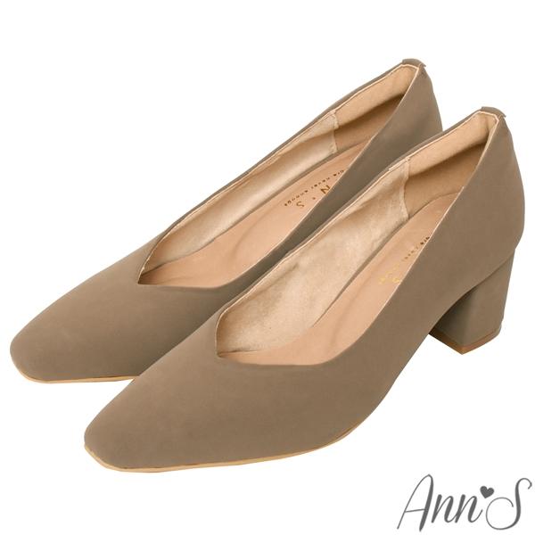Ann'S天堂版型-顯瘦V口霧面純色粗跟方頭跟鞋5.5cm-奶茶杏