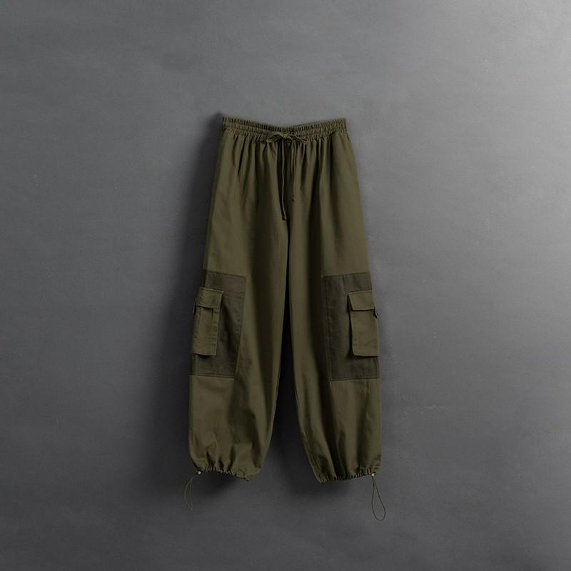 QUEENSHOP_ S 同色系拼接大口袋抽繩縮口長褲 1/2/3 現+預【04020477】