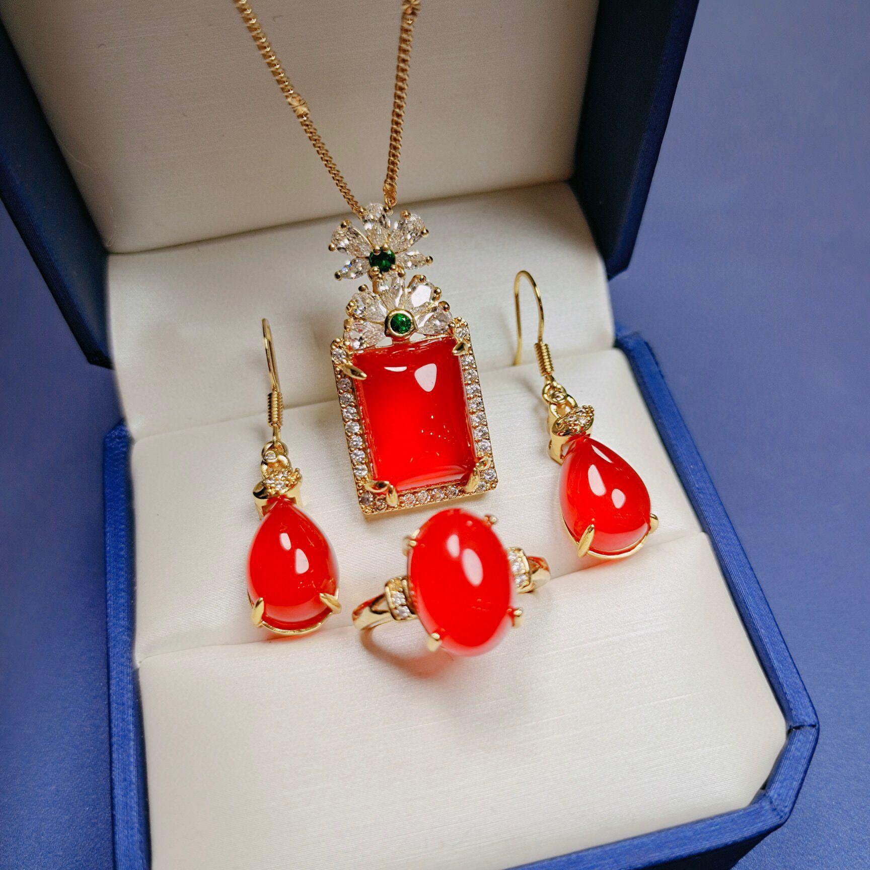 天然冰種高品質項鍊 耳釘 戒指 玉髓鑲嵌紅玉髓三件套套裝