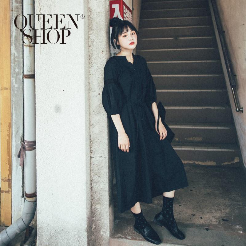QUEENSHOP_ S 百搭素色蕾絲拼接寬鬆長洋裝 兩色售 現+預 【01084672】