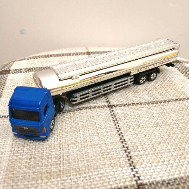 macaca5已預定,多美 油罐車 ,貨車 油罐車 tomica no.121