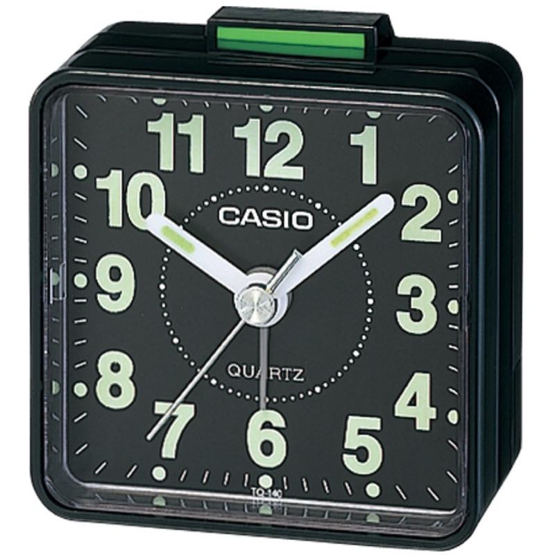 攜帶方便的指針型鬧鐘,數字刻度漆有螢光塗料,夜間判讀同樣便利 TQ-140
