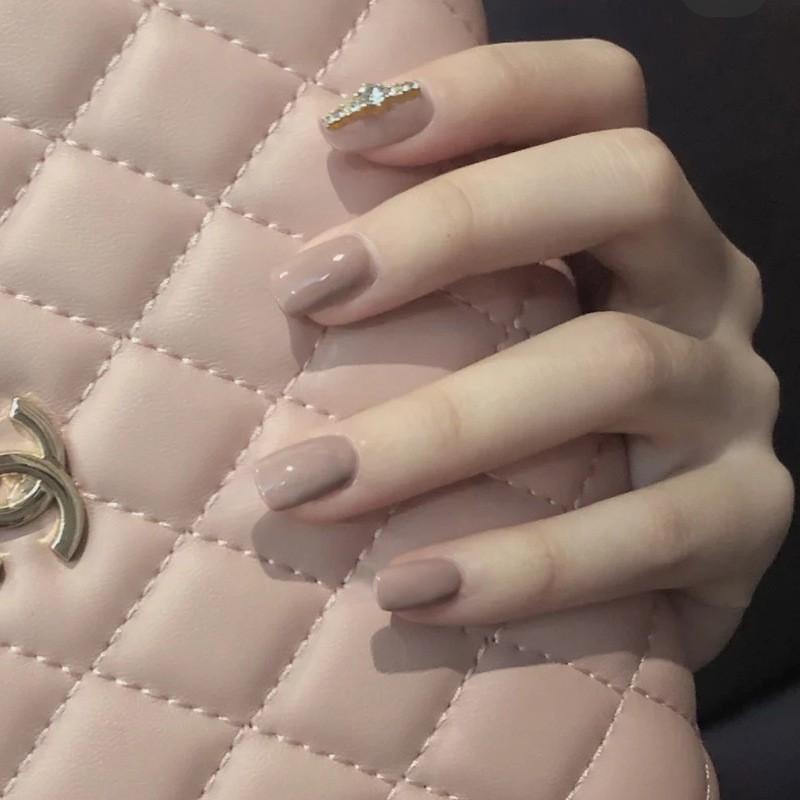 指甲貼片 一撕即貼 名媛杏裸鑽飾 指甲貼片 穿戴式 可重複使用 NWP0060【買1送5配件】