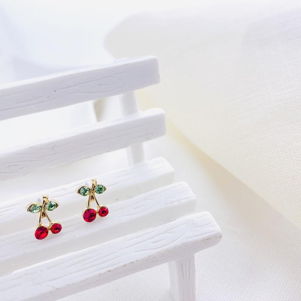【YouMeet遇見飾品】夾式耳環 甜美水鑽小櫻桃 極簡 簡約 質感 抗過敏 小資飾品 女生耳環 女生飾品