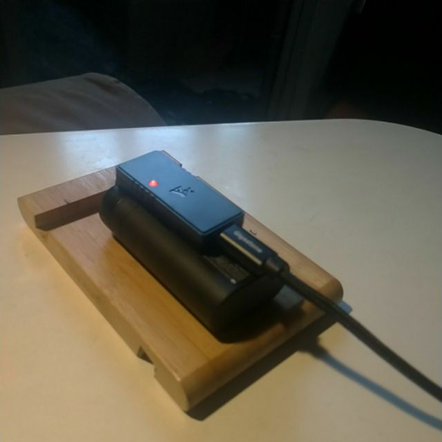 Dji mavic mini 電池和充電板 開封用一次 二手很新