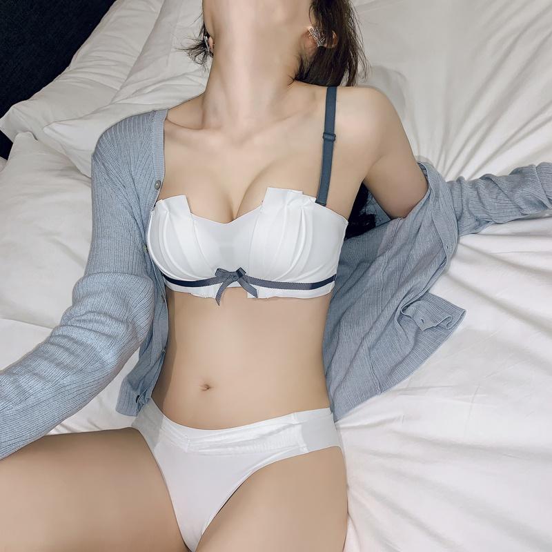 無肩帶內衣女小胸聚攏防滑夏季薄款抹胸少女無鋼圈文胸套裝調整型