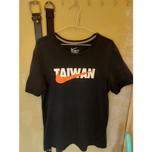 Nike Taiwan短T(黑紅配色)