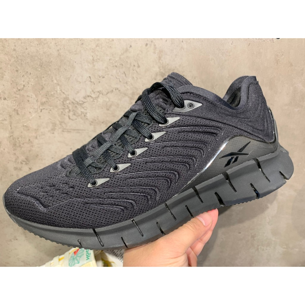 REEBOK 慢跑鞋 Zig Kinetica 運動 男 輕量 透氣 舒適 避震 路跑 健身 黑灰 EH1722