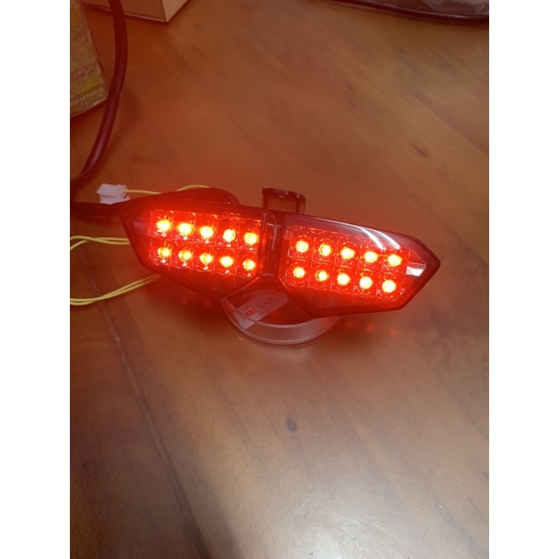 BWS R6 LED 高亮度 尾燈燈組 對應原廠接頭(單燈組不含鐵殼)