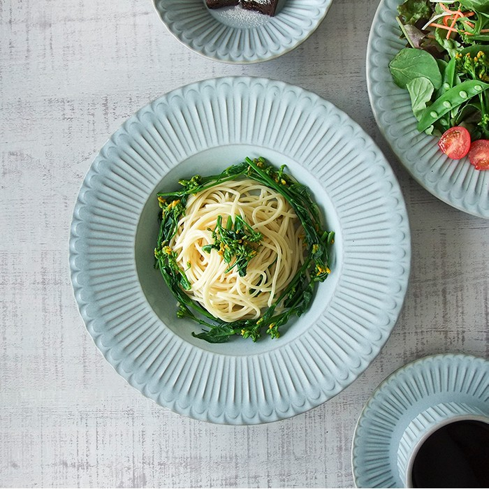 [偶拾小巷] 日本製 美濃燒 STORIA 古典歐式餐盤 湯盤 沙拉盤 (共三色)