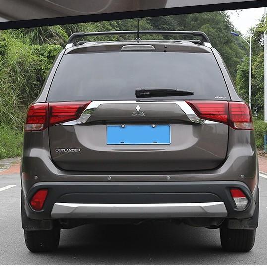 三菱 Mitsubishi outlander 2016-2020  尾箱是條 尾燈眉 後燈飾條 奧蘭德後燈條