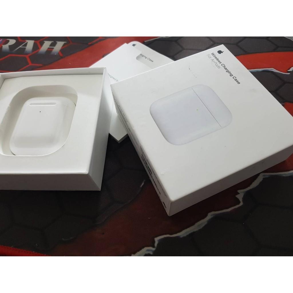 福利品 台灣公司貨 APPLE MR8U2TA/A 無線充電盒 (適用於 AirPods) A1938