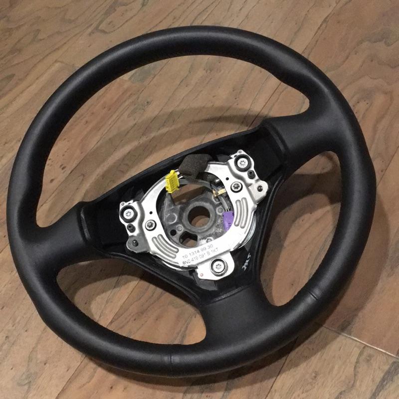Audi 德國原廠 TT 1 方向盤 手排用 全新庫存品 中古價