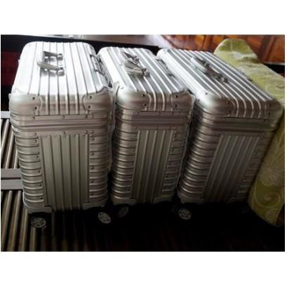 RIMOWA日默瓦 PILOT ALUMINIUM 鋁鎂合金四輪商務箱 機長箱 商務箱 攝影箱 彩妝箱 中型