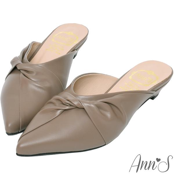 Ann'S典雅氣質-蝴蝶結小羊皮低跟尖頭穆勒鞋-咖(版型偏小)