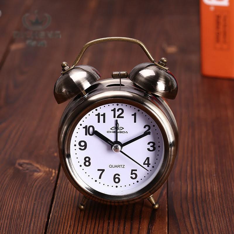 ✔現貨✔免運復古鬧鐘有夜燈超吵人鬧鈴時鐘機械時鐘打鈴大聲鬧鐘雙耳打鈴時鐘復古造型金