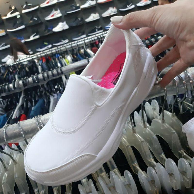 Skechers皮革護士鞋原價2790優惠價2200元正版