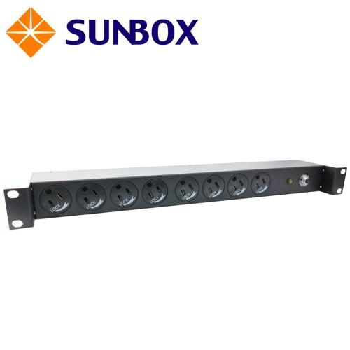 8孔20安培 防脫插座 機架型排插 (SPU-2012-08R)SUNBOX