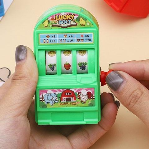 【🍊橘子怪獸】現貨 益智玩具搖獎機迷你遊戲機益智玩具桌遊 親子互動幼兒園獎品水果搖獎機兒童益智玩具