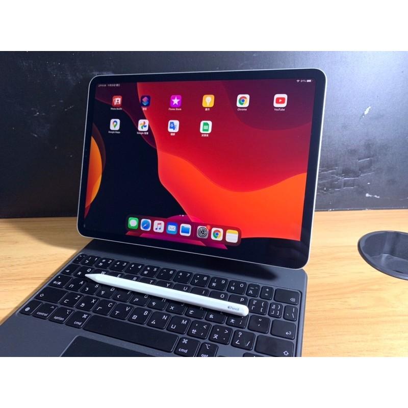 Apple iPad Pro 3th 11吋Wi-Fi 64G+巧控鍵盤+Pencil 2 二手整體9成新
