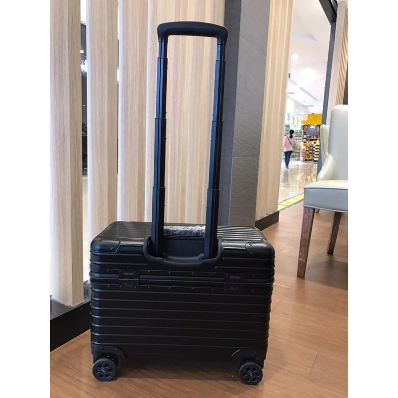 日默瓦RIMOWA、航空機長箱、全鋁鎂合金箱、旅行✈️好幫手