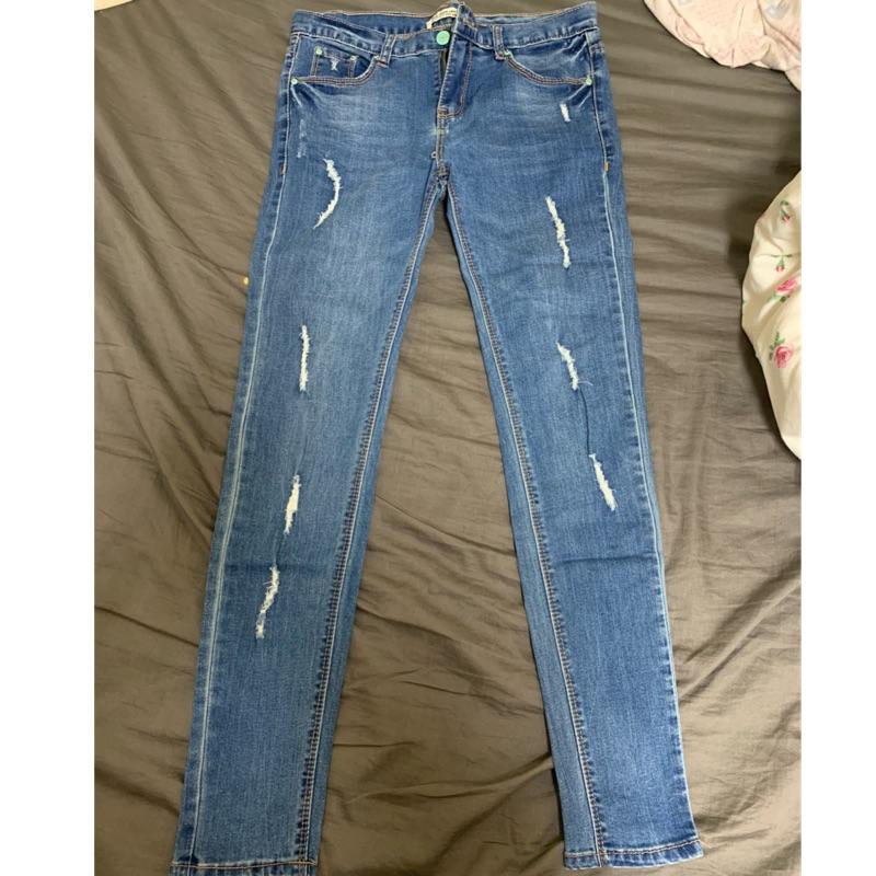 Tank & jeans 貼身線條刷破顯瘦牛仔褲