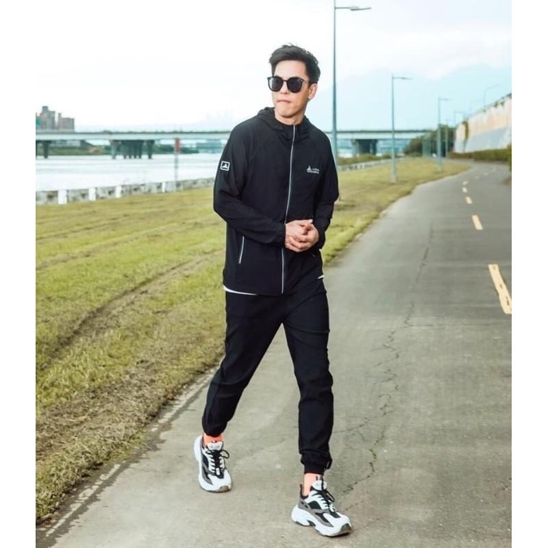 ONE BOY UPF50 防曬 冰科技機能 輕薄 冰鋒衣 防曬衣 防曬外套 郭雪芙 周曉涵 代言 黑色款 男版