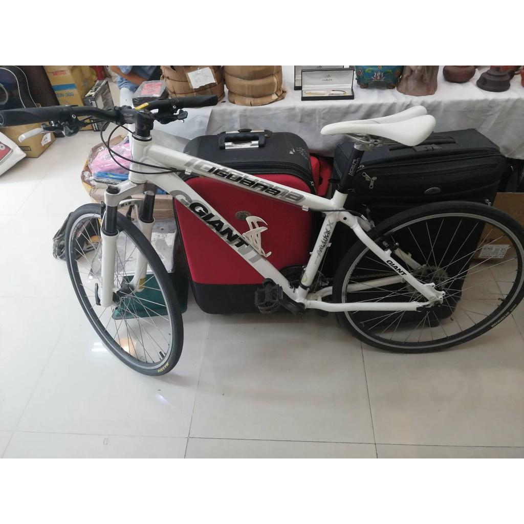 二手捷安特 變速自行車(缺停車腳柱) GIANT ALUXX 6000 SERIES BUTTED TUBING