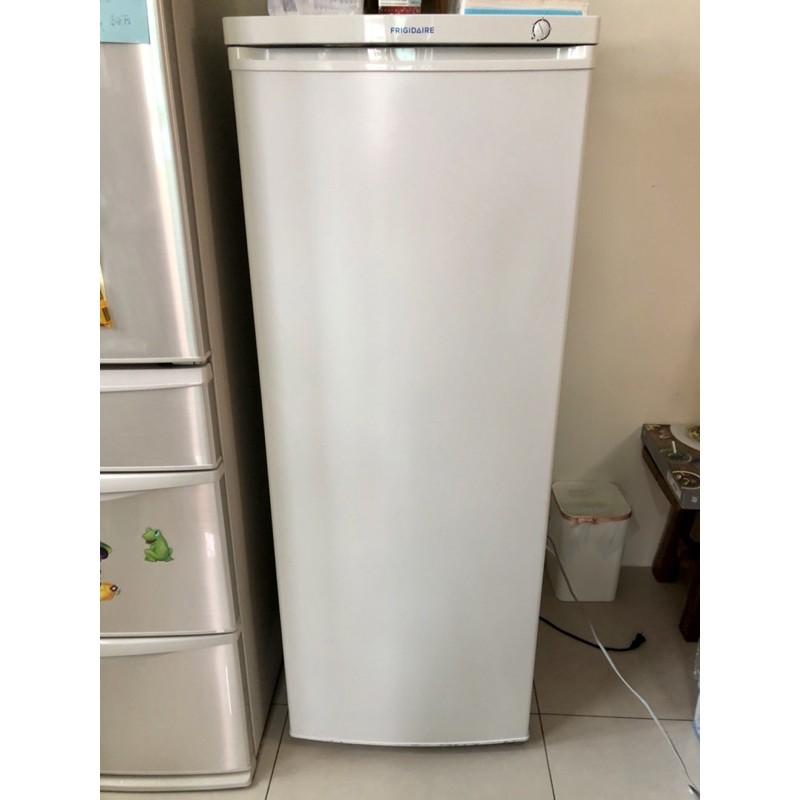 【二手出清】直立式冷凍櫃 美國富及第Frigidaire 185L立式冷凍櫃 節能型FRT-1851MZ