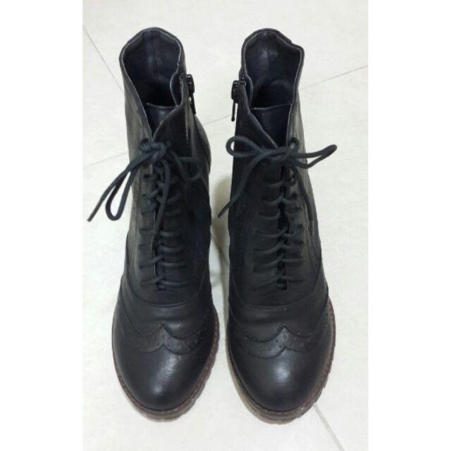 黑跟牛津鞋