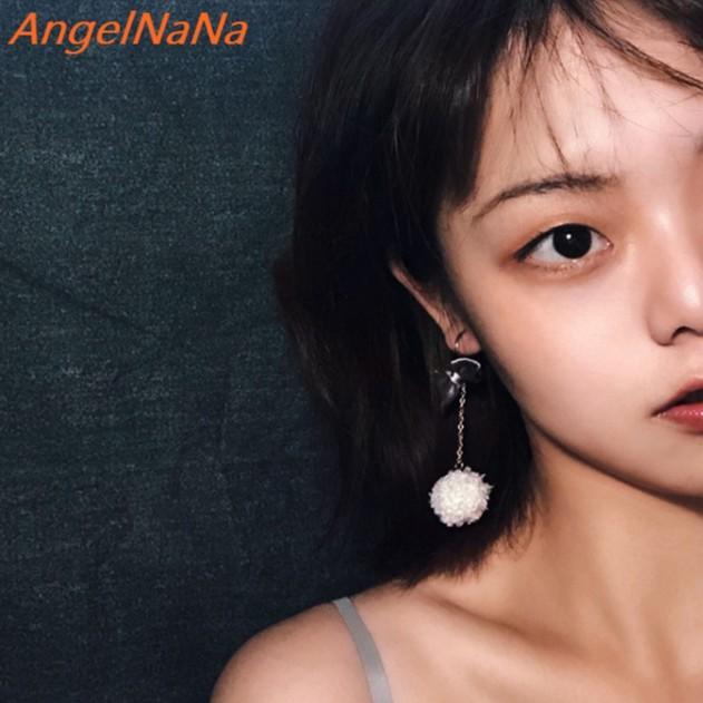 【AngelNaNa】耳環-不對稱可愛蝴蝶結毛球耳勾耳針 (SRA0130)《可改耳夾式》《可改S925銀針》