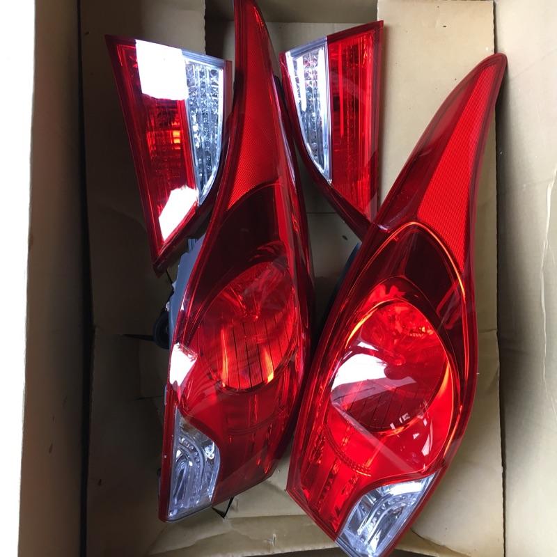 現代Elantra原廠陽春大燈含尾燈