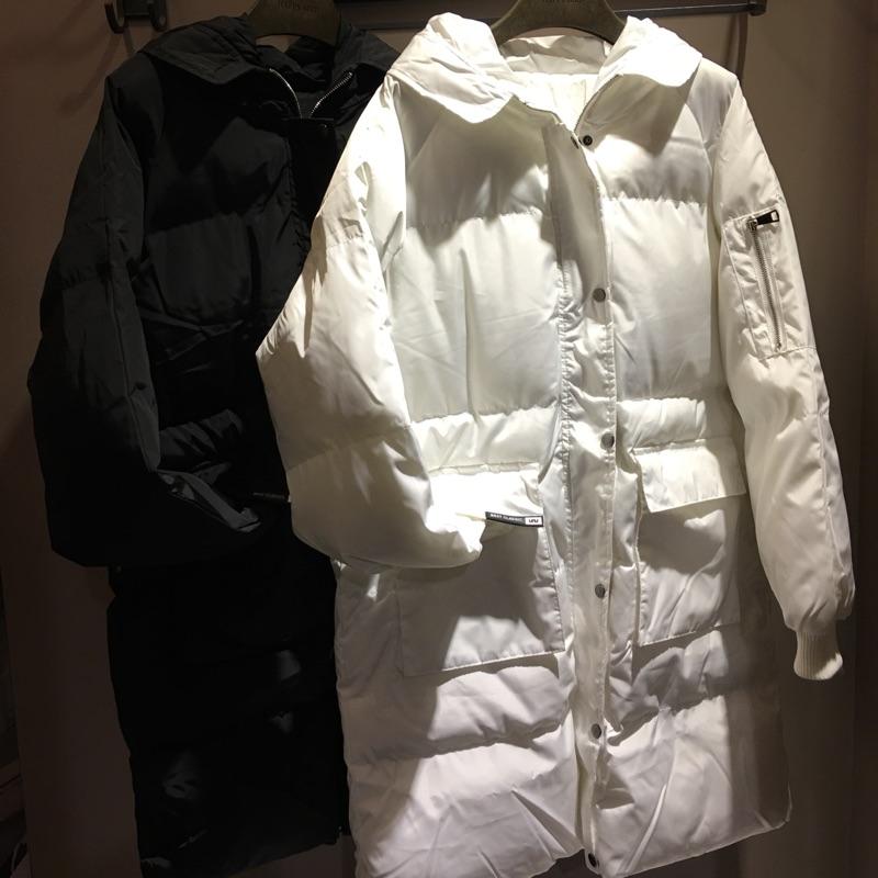 口袋造型羽絨長版外套
