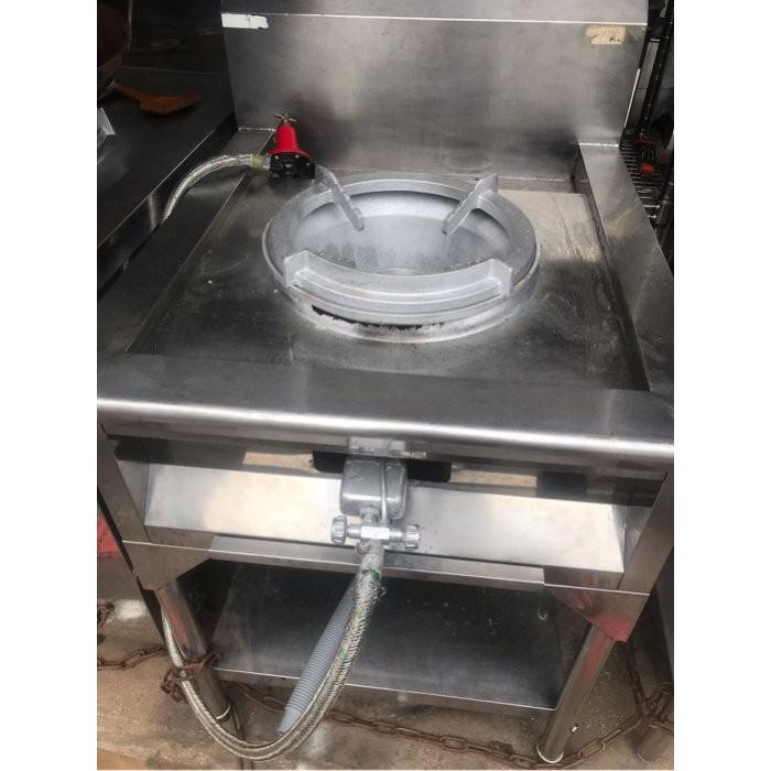 單口炒菜台。有排水溝。快速爐