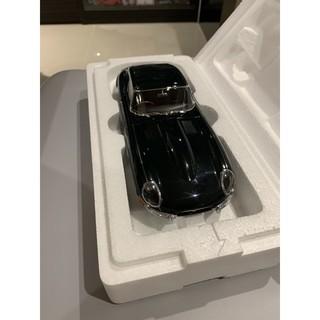 Autoart 1:18 1/ 18 Jaguar e type