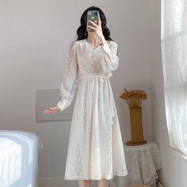 長洋裝 長袖洋裝 重工蕾絲洋裝 優雅氣質連衣裙 繫帶連身裙 V領蕾絲洋裝 女生衣著 婚宴洋裝