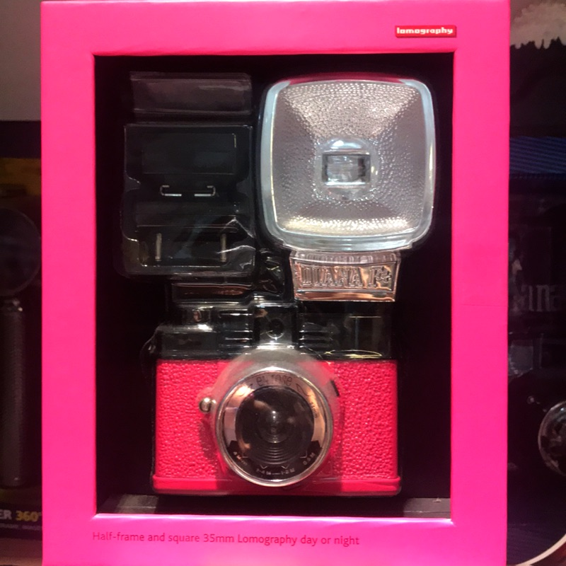 出清特惠 Diana mini&flash 芭比粉色 有閃光燈 原價 4490 免運