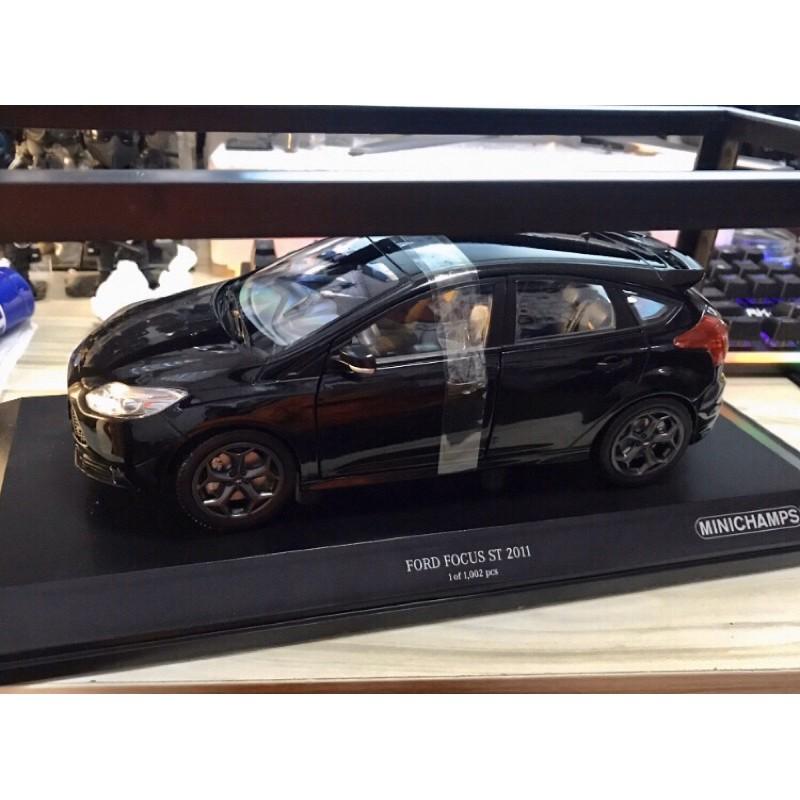 BuyCar模型車庫 1:18 Ford Focus ST模型車