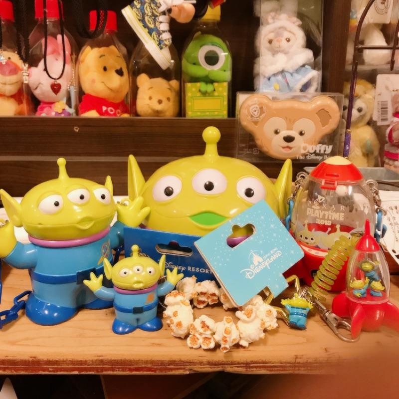 東京迪士尼 皮克斯 玩具總動員 三眼怪 三眼仔爆米花桶吊飾 糖果罐 麻糬盒 火箭 娃娃吊飾 胡迪 DHC 橄欖 護唇膏