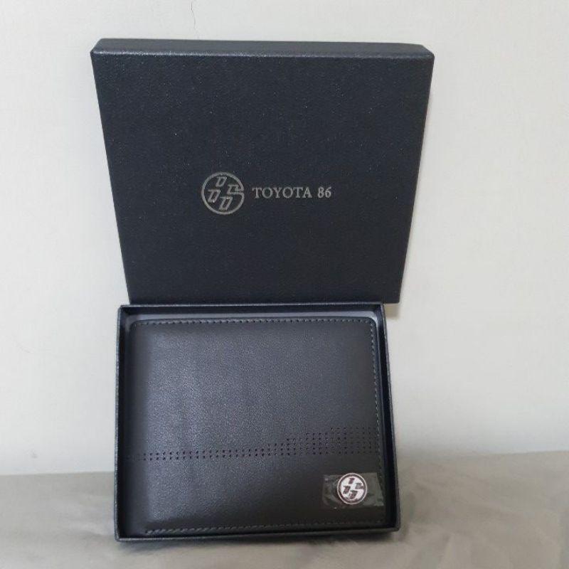 toyota多功能真皮夾原價2000現在下殺算只要350(全新未使用)