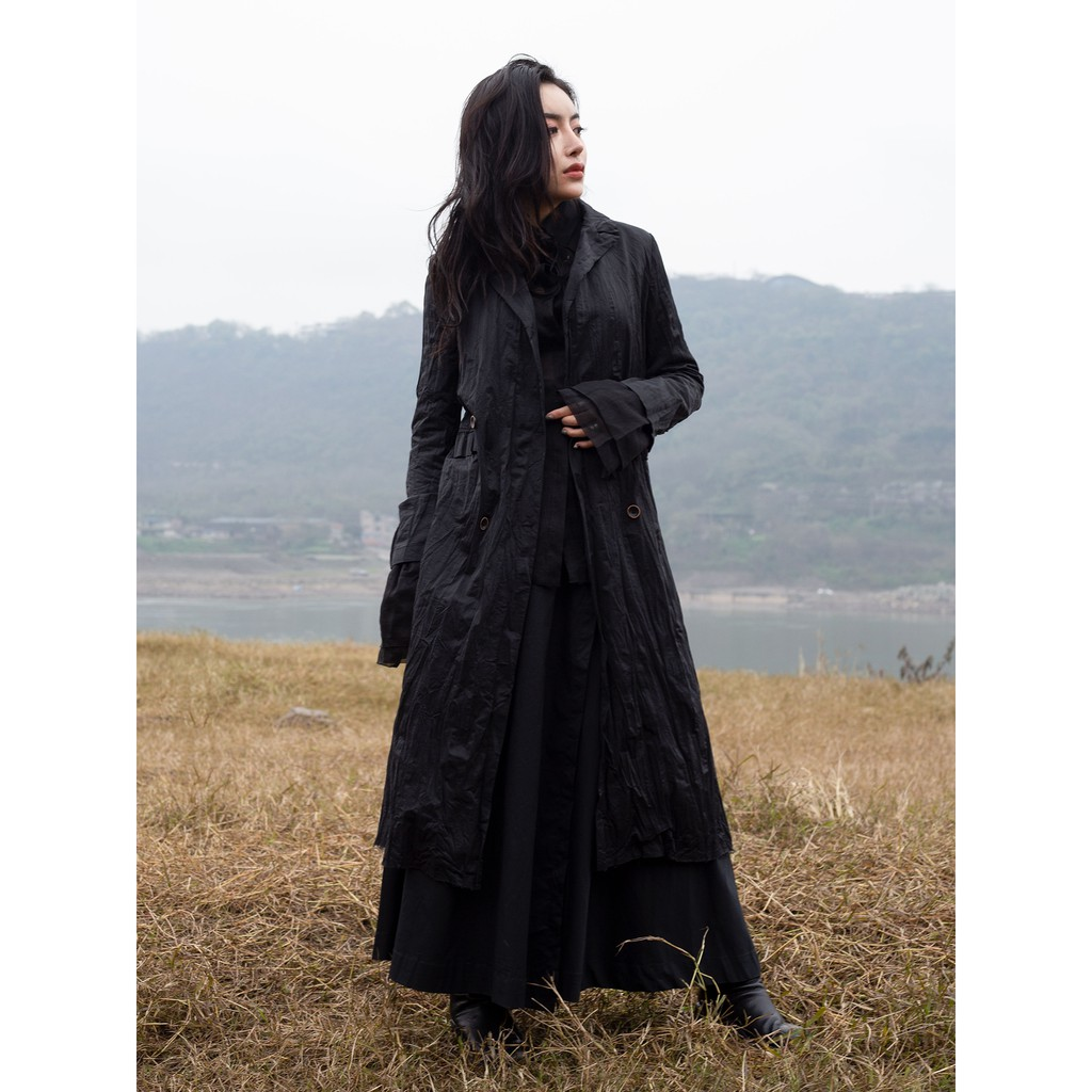 SIMPLE BLACK 19春季ss新款暗黑風金屬絲褶皺修身中長款風衣外套