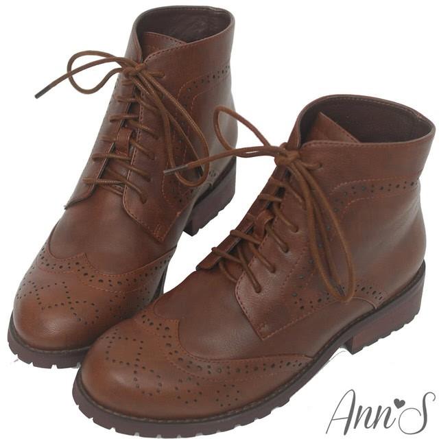 Ann'S英倫風-復古雕花牛津層次綁帶低跟短靴-深咖