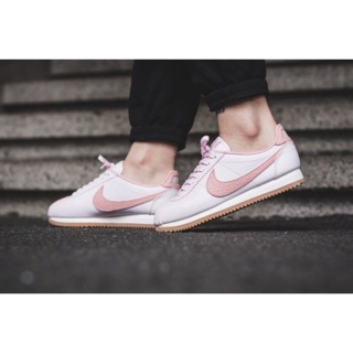 Nike Wmns Classic Cortez Leather Lux 粉紅色 861660-600 台北市