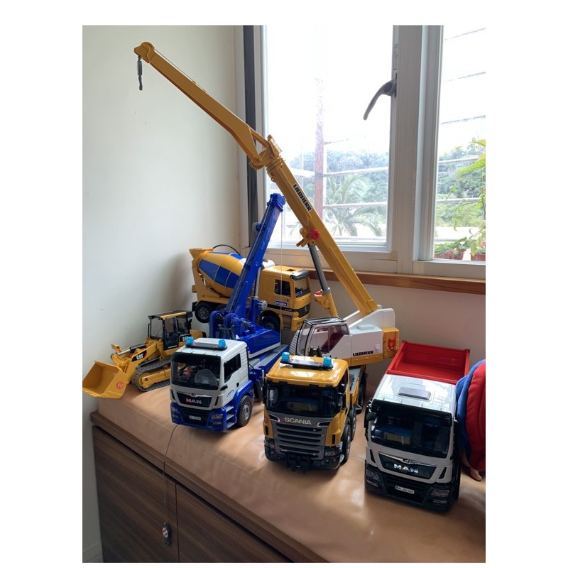 全新現貨實拍 德國BRUDER 原廠正品 大吊車 卡車推土機 挖掘機 水泥車