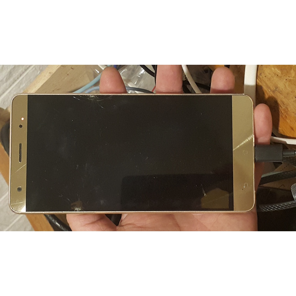 ASUS 華碩 Zenfone 3 Deluxe ZS570KL Z016D 5.7吋 S821 零件機 有震動反應 電