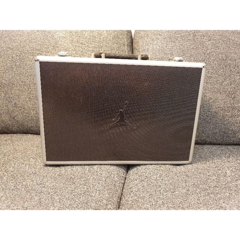2002年Jordan 17代初版鐵鞋盒