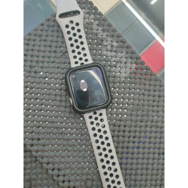 80%新Nile Sport Apple Watch S4 GPS 40mm 銀鋁 A1978 中古二手舊機手機平板折抵